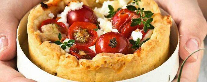 Кексы с помидорами черри и сыром рикотта
