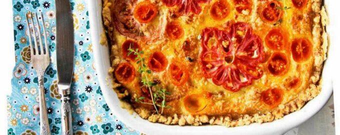 Пирог с томатным цветком