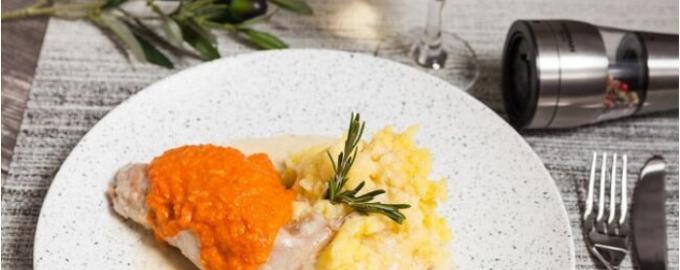 кролик под соусом