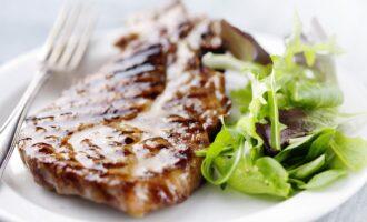 мясо в маринаде на барбекю