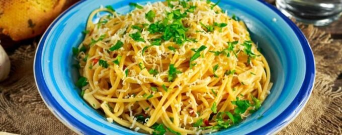 Спагетти aglio olio