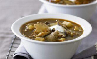 Суп из лесных грибов