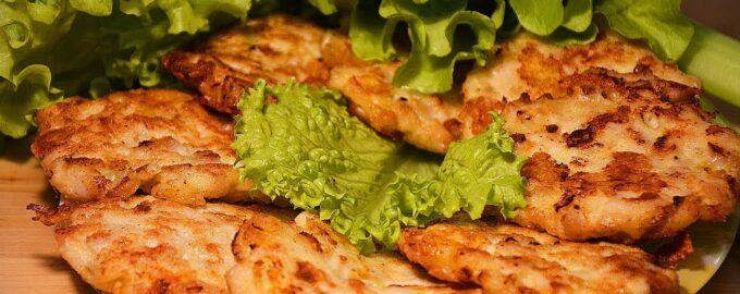 оладьи с курицей и сыром