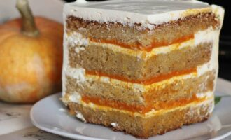 Тыквенный тортик со взбитыми сливками