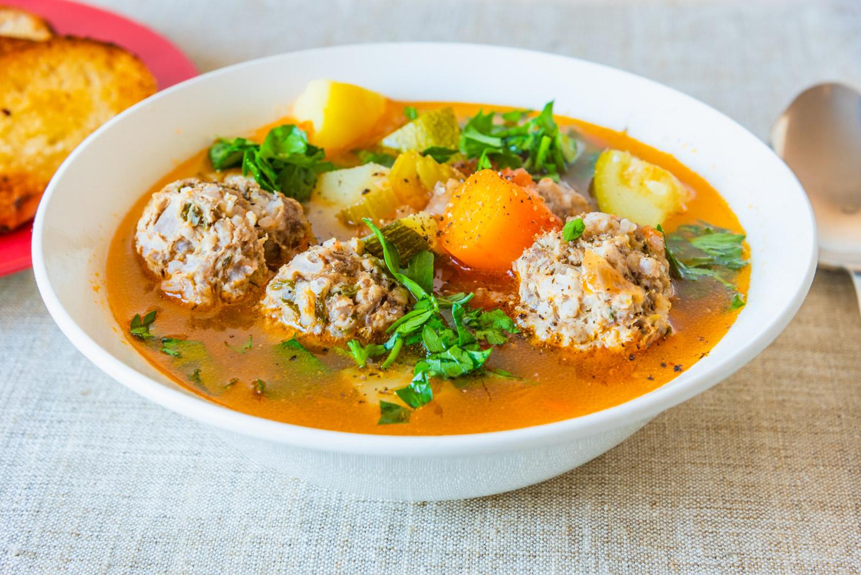 Фрикадельковый суп из говяжьего фарша